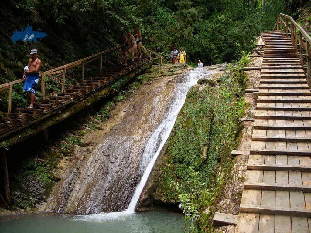 Visitar las Cascadas de Sochi; Conocer las Cascadas de Sochi; Recorrer las Cascadas de Sochi
