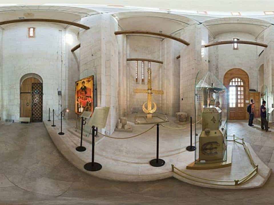 Visitar la Catedral de San Demetrio de Vladímir; Conocer Catedral de San Demetrio de Vladímir; Explorar la Catedral de San Demetrio de Vladímir