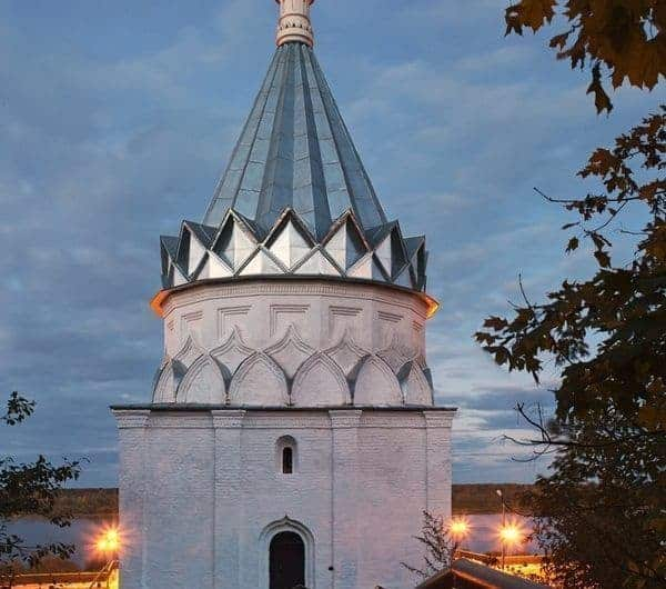 Explorar la Iglesia de San Cosme y Damián en Murom; Conocer la Iglesia de San Cosme y Damián en Murom; Visitar la Iglesia de San Cosme y Damián en Murom