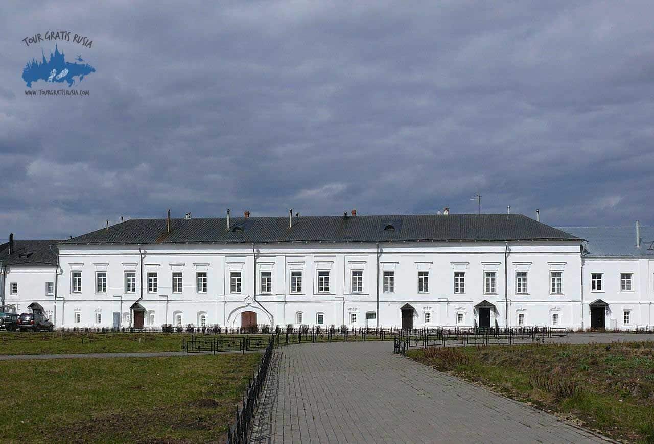 Visitar el Monasterio Varlaamo Khutyn de Novgorod