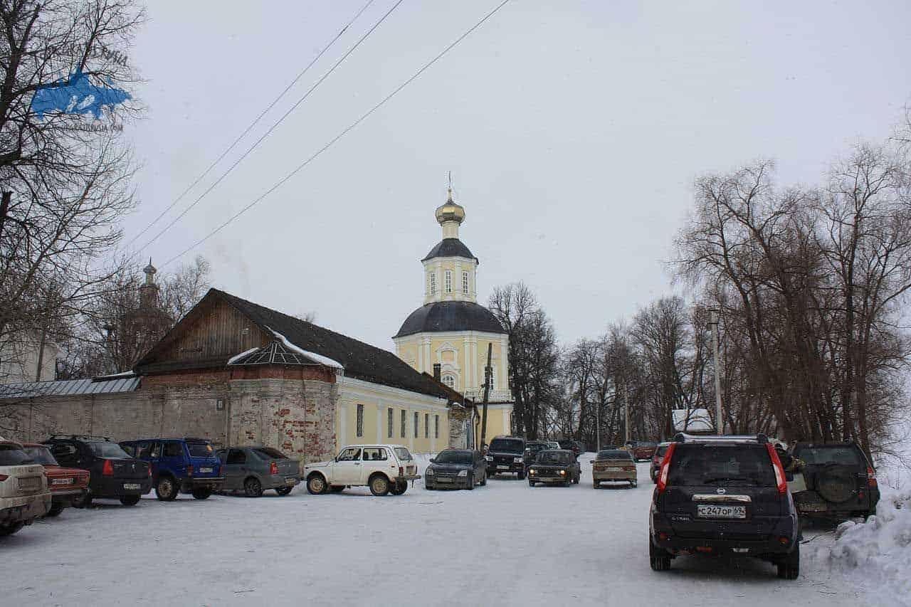 Excursionar en el monasterio de la Vida en Bogoroditsky; Visitar el monasterio de la Vida en Bogoroditsky; Conocer el monasterio de la Vida en Bogoroditsky