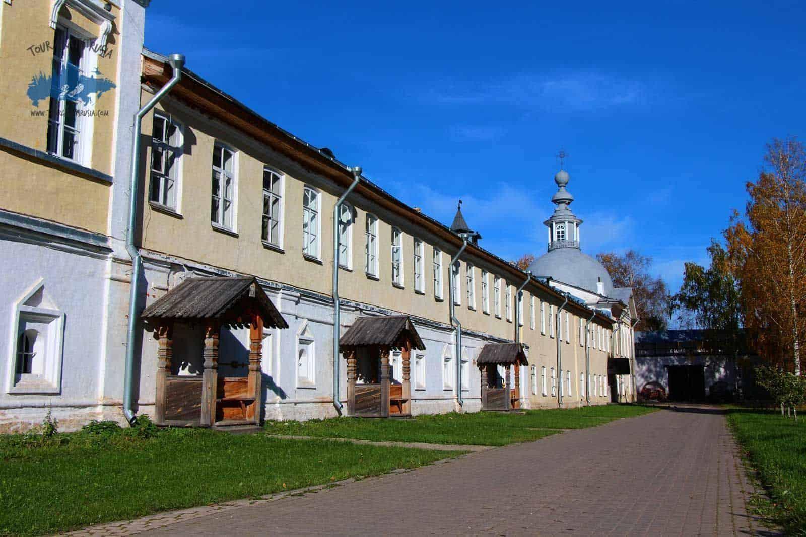 Que ver en el Monasterio del Salvador Prilutsky
