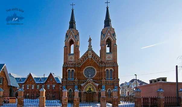 Que lugares religiosos ver en Tambov; Visitar iglesias en Tambov; Conocer la Iglesia Católica de Tambov