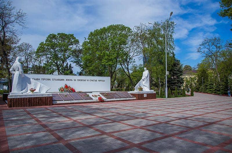 Visitar el Paseo de la Fama en Anapa; Recorrer la Plaza de la Memoria en Anapa; Que ver en Anapa