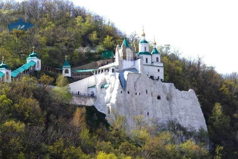 Que ver en el Monasterio de Svyatogorsky en Rusia