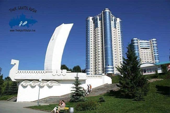 Estela-Ladia-simbolo-de-Samara-tour-gratis-rusia