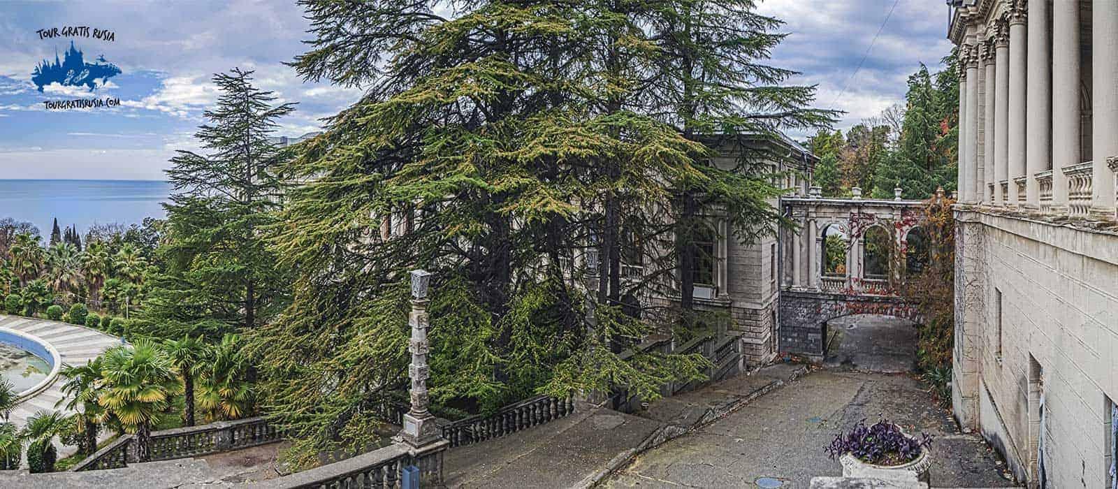 Tour al Sanatorio Ordzhonikidze y el Camino de la salud