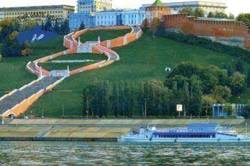 Excursiónen barco por el Volga y Oka; Tour en el río Volga en barco; Tour navegando por Volga y Oka