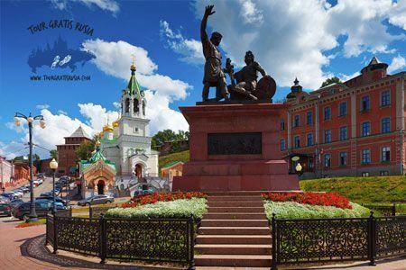 estatua de minin y pozarzkay