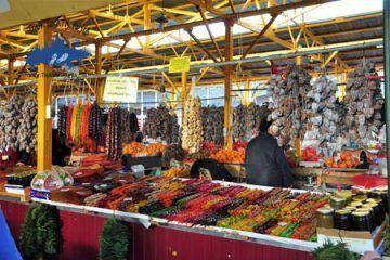 Conocer gastronomia del sur de Rusia; Visitar el mercado de Adler; Tour en el mercado de Adler