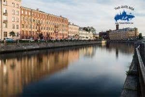 paseo por el río Neva
