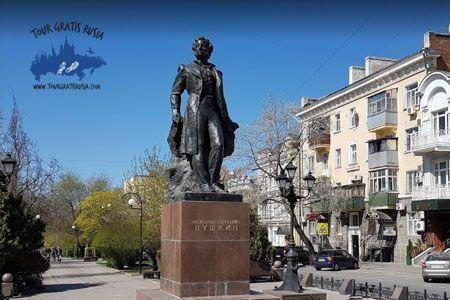 Pasear por Rostov; Excursionar en Rostov; Hacer un tour en Rostov