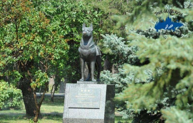 monumento del perro en la II guerra