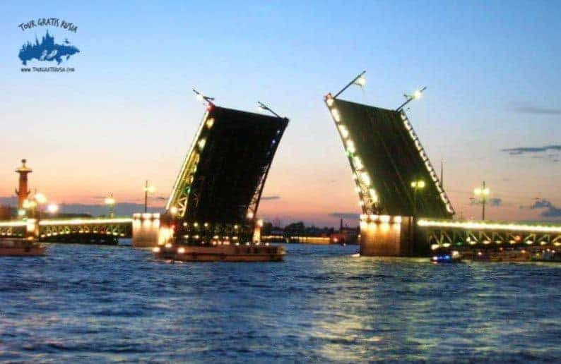 Visitar de noche San Petersburgo; Paseo por Petersburgo nocturno; Tour nocturno San Petersburgo