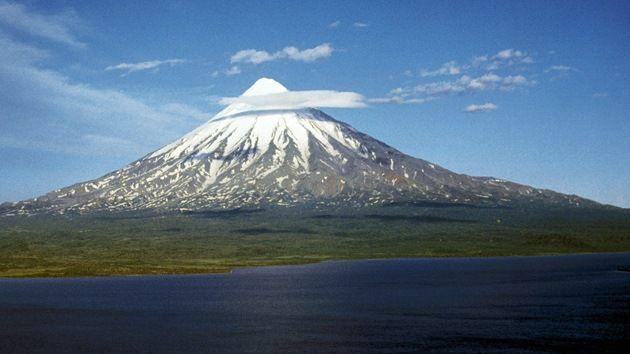 Visitar el Volcán Kronotski de Kamchatka; Conocer el Volcán Kronotski de Kamchatka; Excursionar el Volcán Kronotski de Kamchatka