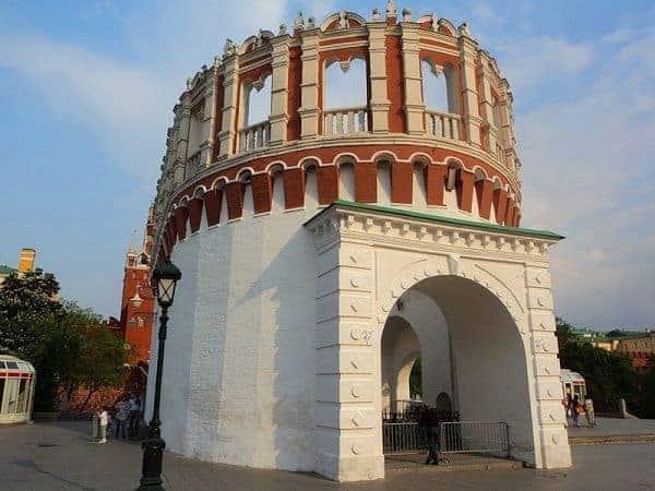 Excursionar en la Torre de Kutafia en Moscú; Visitar la Torre de Kutafia en Moscú; Que ver en la Torre de Kutafia en Moscú