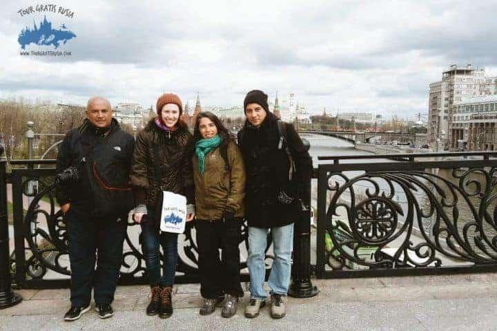 Visitantes en el Puente del Patriarca
